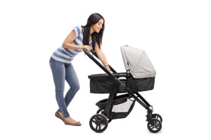 Kinderwagen mit Mutter